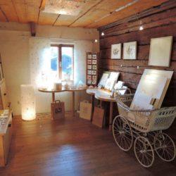 PAPIER-art ART-papier, Ausstellungsraum, Papierunikate, Papierkunst, Kunsthandwerk, Büttenpapier, Mattsee, Salzburger Seenland